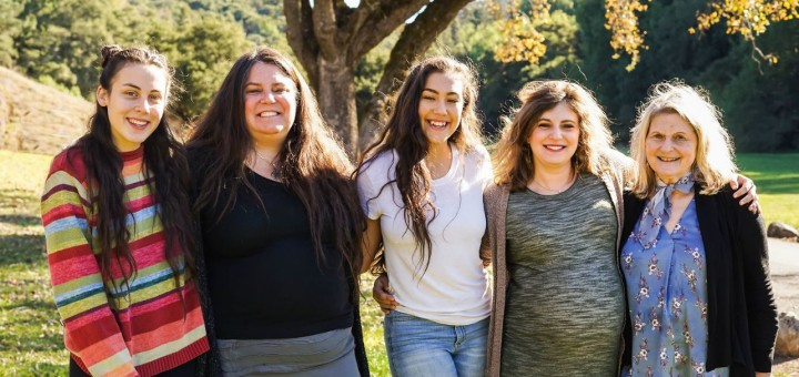 Andrea (second from right) with her niece Teja, sister Kate, niece Hannah and mother Margie in December 2017